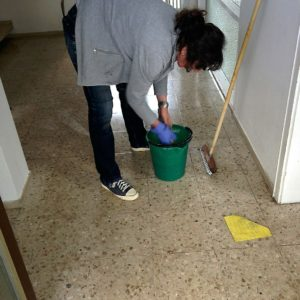cleaning-lady-258520_1280