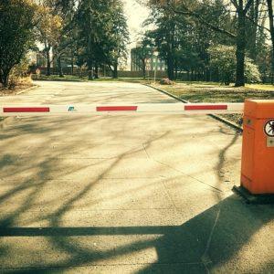 barrier-283847_640