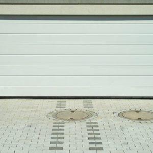 garage-1379189_640