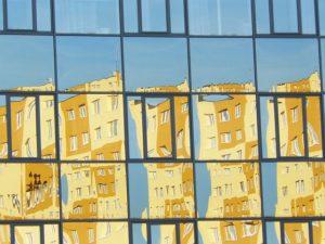 Glasreinigung - Glasfassade mit Reflexion